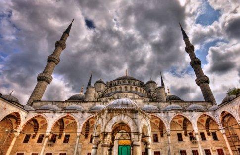 Sultan Ahmet Mosque - Istanbul by shhhhh-art deviantart.com